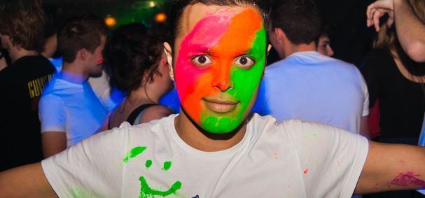 what to wear for uv paint party